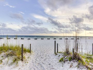 Waterfront home w/ amazing Gulf views, private balcony, and pool access!