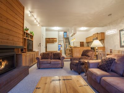 Photo for Gorgeous Remodeled Deluxe 4BD/4BA with Mountain Views Across from the Base Area