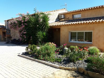 Photo for Charming Provencal villa in the heart of the village of Saint Cyr sur mer