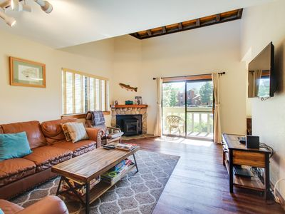 Photo for Updated alpine condo w/shared pool, hot tub, & prime location!