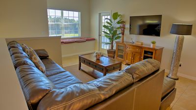 Photo for 3 Bedroom, 2 Bathroom Vacation Condo near Disney