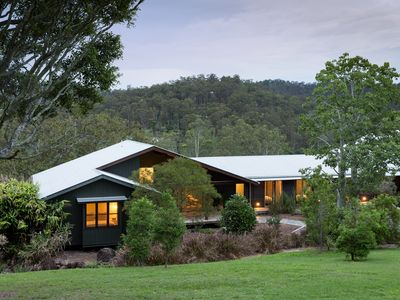 Photo for Luxurious Hideaway Retreat in Pullenvale