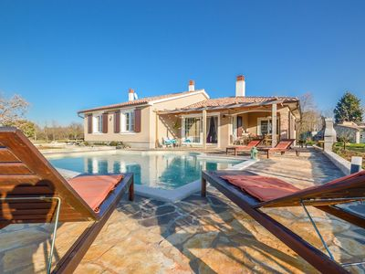 Photo for Luxury Villa Kabola with private swimming pool near Pula city.