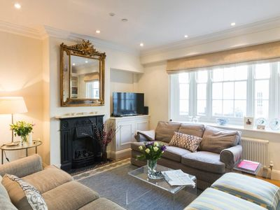 Photo for Beautiful 3bedroom house cobbled Kensington mews