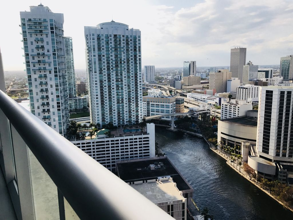 1B/1B IN ICON BRICKELL- AMAZING VIEW- W HOTEL RESIDENCES- DELUXE UNIT -  Downtown Miami