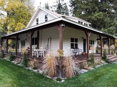 Photo for Crane Mountain Cottage: cozy luxury in Bigfork