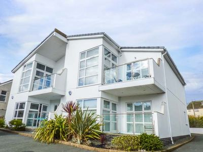 Photo for STONE'S THROW, family friendly, with a garden in Benllech, Ref 934073