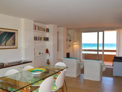 Photo for Apartment in front of the beach - Two  double rooms . - Pool-Parquing