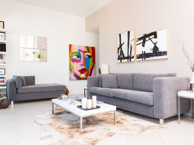 Photo for Heart of Ipanema, stylish apartment in full service building. IDEAL LOCATION!