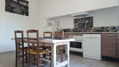 Photo for Renovated apartment 10min from the beaches