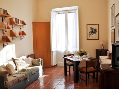 Photo for Elegant 2-room flat 70 mq, comfortable, bright with a view of St. Peter's Dome