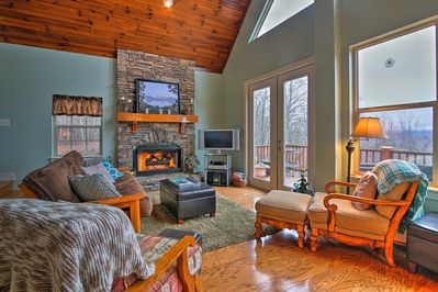 A memorable Smoky Mountain retreat awaits you at this vacation rental cottage!