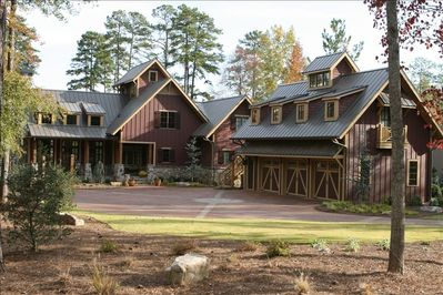 Unique Luxury Lakefront 5/BR/Pool/Guest House*on Lake Oconee - Eatonton
