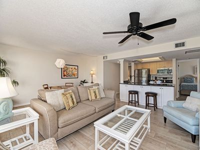 Photo for Airy, bright 3rd fl overlooking boat basin and pool, free wi-fi icentral ac, private beach access