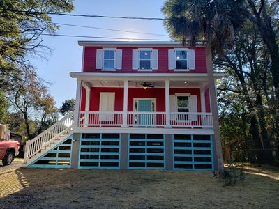 Folly Beach Red House, walking to everywhere