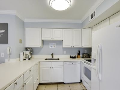FREE DAILY ACTIVITIES!!! OCEANSIDE!!! Adorable 1 Bedroom Just Steps to the Beach!