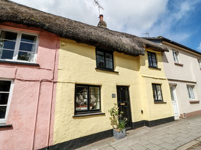 Photo for LEMON COTTAGE, pet friendly in Hatherleigh, Ref 962023