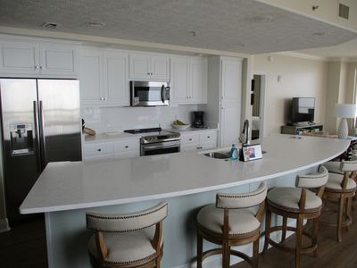 Photo for GC 3 Bdrm - 6th floor - Newly Renovated - Walk In Master Shower; Great Balcony
