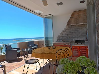 Photo for Beach Front Penthouse with stunning views