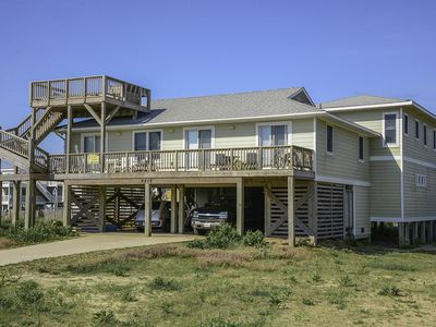 Photo for Easy walk to the beach with views, newly renovated, fresh beachy decor - 685