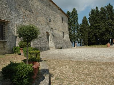 Photo for Romantic Holiday in a small Treasure of the Tuscan Countryside, near Florence