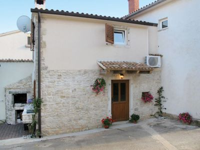 Photo for Vacation home Pinia I (KST126) in Porec/Kastelir - 3 persons, 1 bedrooms