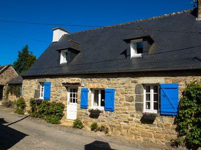 Photo for Old stone house between Crozon and Camaret (sea 200m)