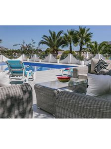 Photo for Stunning Modern Villa, 10x5 heated pool, close to beach and amenities