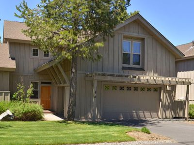 Photo for 44 Fremont Crossing: 3 BR / 3.5 BA townhome in Sunriver, Sleeps 8