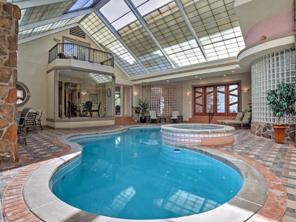 Charmant The Home Features An Indoor Pool And Hot Tub. The Area Is Controlled With  Its