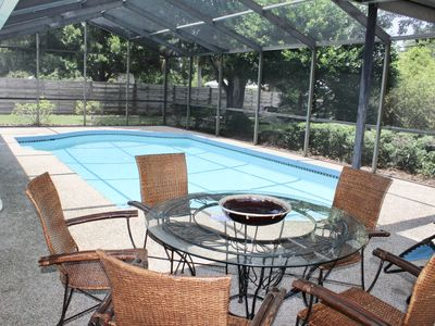 Private heated pool, super clean, close to Siesta beach.