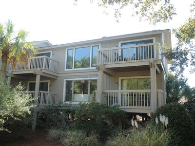 5 star 2br condo walkable to the beach