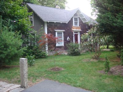 Photo for Quiet 3 bedroom cottage with kitchen on a farm.  1 mile to Roger Williams Univ.