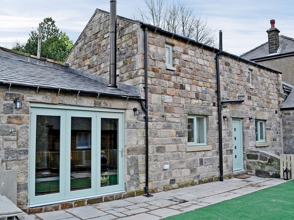2 bedroom property in matlock pet friendly vrbo - Matlock hotels with swimming pools ...