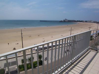 Photo for Facing the large beach apartment T3