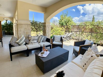 Photo for Luxury 2 Bed Apartment, Large Terrace, BBQ and communal swimming pool