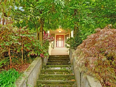 Photo for Lovely, dog-friendly home located in amazing Seattle area!