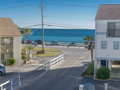 August Open.Unobstructed Gulf Views! Beach Across St! 2 Beach Bikes, Pool Onsite