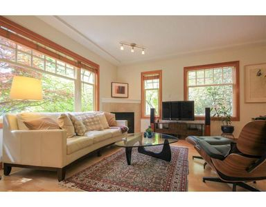 Photo for Upscale bright townhouse -- quiet location and close to everything
