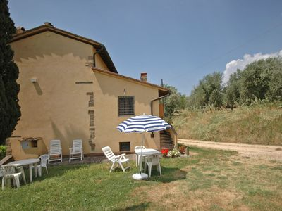 Photo for Beautiful apartment for 4 people with pool, WIFI, TV and parking, close to Florence