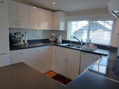 Photo for Kitsilano, 2 bedroom upper floor suite