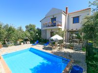 Superb Location.... Villa Tzina is by far one of the most charming Villas I stayed. From the bea...
