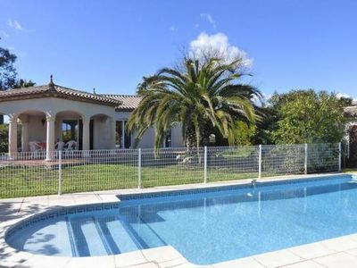 Photo for Villa, Pomérols  in Hérault - 6 persons, 3 bedrooms