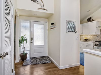 Photo for BEAUTIFUL REMODELED UPGRADED TOWNHOUSE 2 BLOCKS FROM BEACH