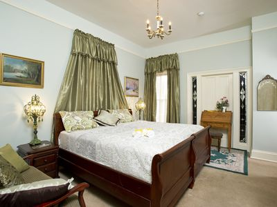 Photo for Lawton Guest Suite: Historic Guest House W/ Jacuzzi Tub