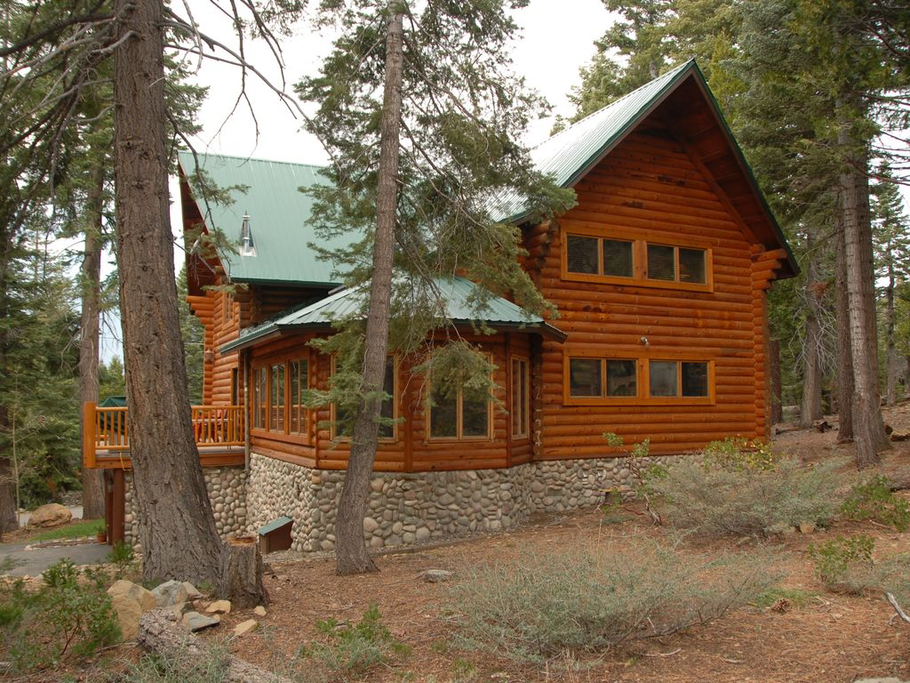 Huge luxury log cabin with hot tub and pool table fallen for Log cabin with hot tub one night stay