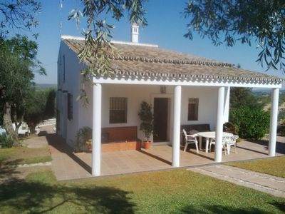 Photo for Large detached villa with pool 20 km from Seville. It closed of the torrero.