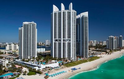 TRUMP RESORT - Privately Owned Deluxe Studio with Ocean View