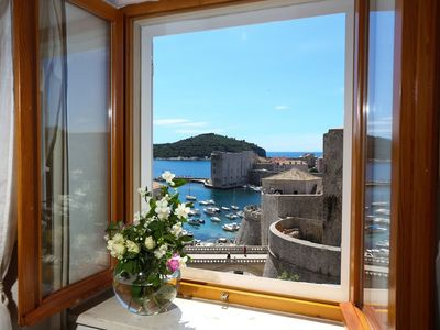 Photo for In the center of Dubrovnik with Internet, Air conditioning, Parking, Balcony (740080)