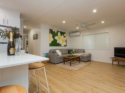 Photo for Bright Airy Beach Cottage